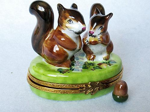 Squirrels Limoges hand painted porcelain box, Limoges France