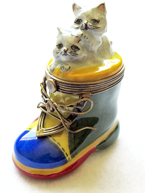 Limoges hand painted collectible Kitten in a boot porcelain box