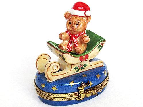 Limoges sleighing bear