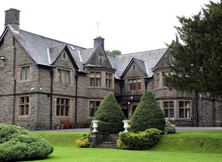 Are you getting married in the Maes Manor in Blackwood?