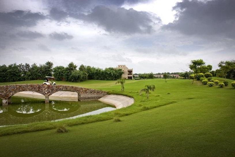 Tarudhan-Valley-Golf-Resort-Silverglades