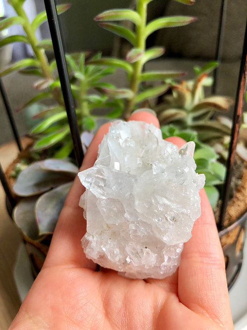 Quartz cluster #5 with rainbows!