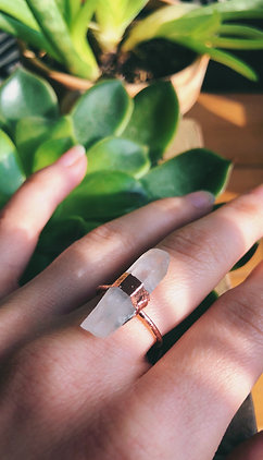 Quartz Point Copper Ring