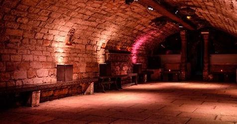 cave-bastille-piste-dj_edited.jpg