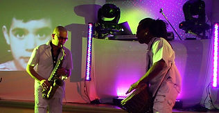 Percussion et saxophone pour soiree