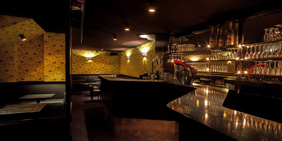 Bar espace principal du Scarlett