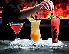 Barman cocktail pour soiree entreprise