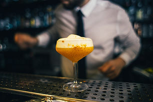 Barman et cocktail