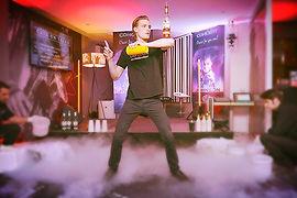 Barman jongleur pour soiree