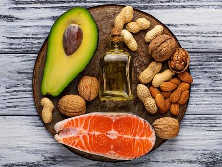 Sekret tłuszczów: co to jest dieta ketogeniczna i z czym to się je?