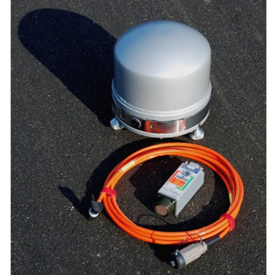 Broad-Band triaxial seismometer