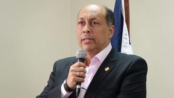 Senador denuncia bandas delincuenciales de la región se quieren apoderar de Hermanas Miraba