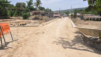 Productores y comerciantes dicen sentirse complacidos por construcción de puente