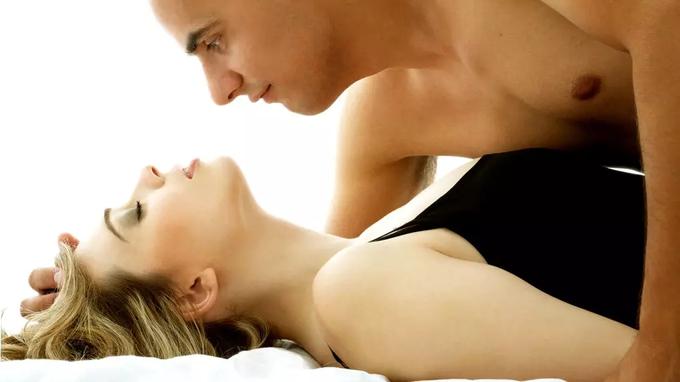 Cómo hacer que ella tenga el mejor orgasmo de su vida: cuatro trucos de experto
