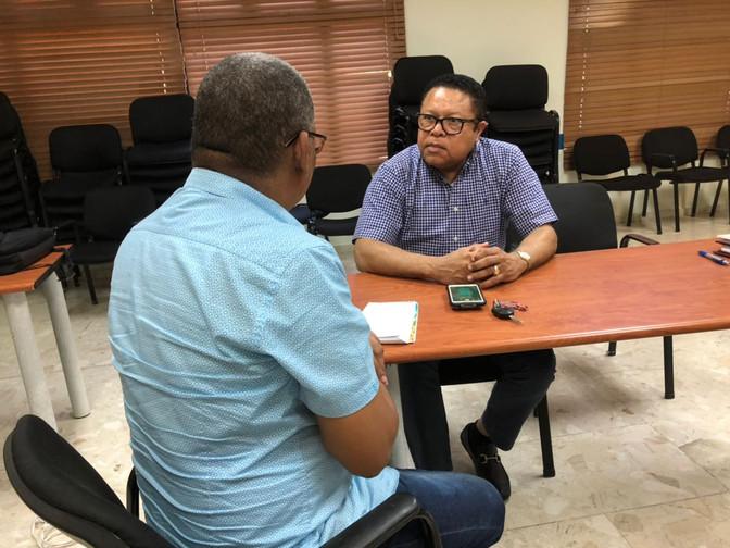 Director Pasaporte, advierte a embajadora que el país no permitirá injerencias