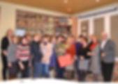 """Vandą Mikalauskienę 40-osios darbinės sukakties proga pagerbė """"Žemaitijos pieno"""" valdybos pirmininkas Algirdas Pažemeckas (pirmas iš dešinės), personalo ir teisės direktorė Sandra Vireikytė (pirma iš kairės) bei bendradarbės."""