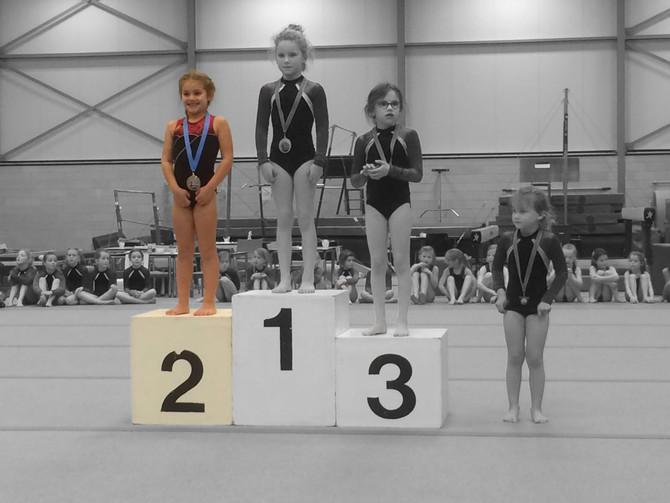 Recreatiecompetitie - Rosan zilver, Fien brons!