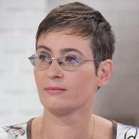 Szásziné Fehárváry Anikó portré.jpg