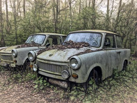 Egy Trabant elégetett forgalmija és az önismeret