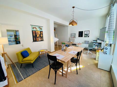 Lounge und Kursbereich