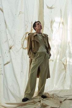 trench coat BURBERRY, t-shirt MASSIMO DUTTI, trousers OSSOLINSKI.COM shoes TOD'S