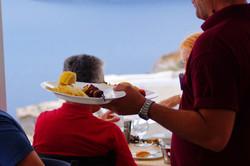 best food in oia village santorini