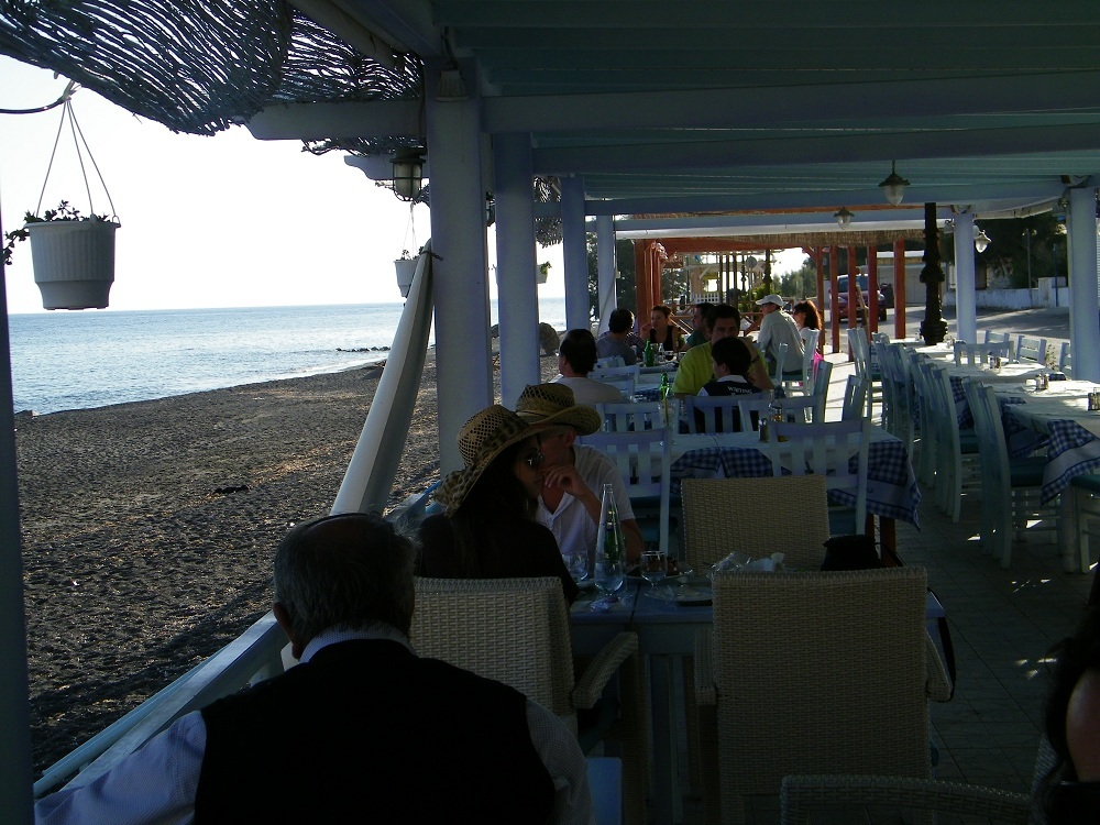 Restaurants next to the beach