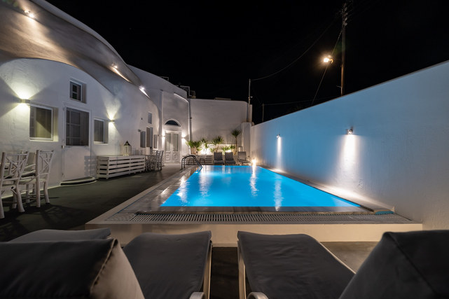 Courtyard with swimming pool