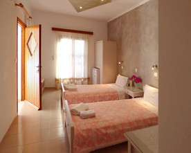 Beautiful Traditional rooms in Perissa