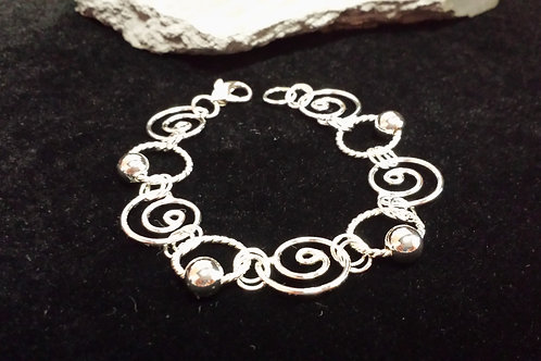 Shell Bracelet with Silver Bead