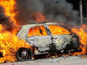 Κάλυψη πυρός αυτοκινήτου και τι να κάνετε σε περίπτωση φωτιάς