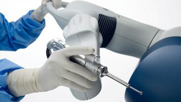 METROPOLITAN HOSPITAL: Αρθροπλαστική γόνατος ολική με νέα ρομποτική τεχνολογία MAKO