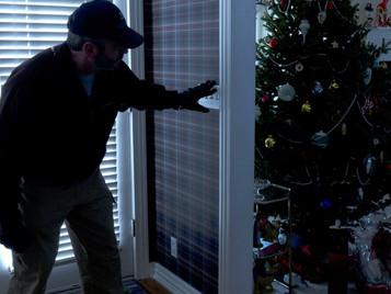 5 συμβουλές για την αποφυγή διαρρήξεων κατά τη διάρκεια των Χριστουγέννων