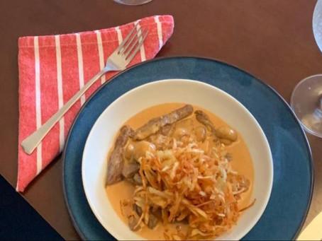 Strogonoff com batata palha caseira