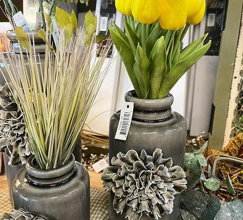 Vases Tulips.jpeg