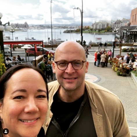 A civilized Saturday stroll in Victoria with Marion Newman!