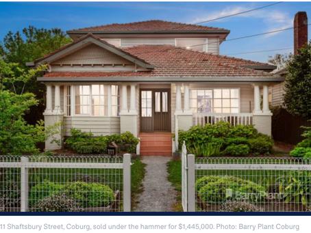 【高出预留价$42万澳元】Port Melbourne拍卖激烈不堪!