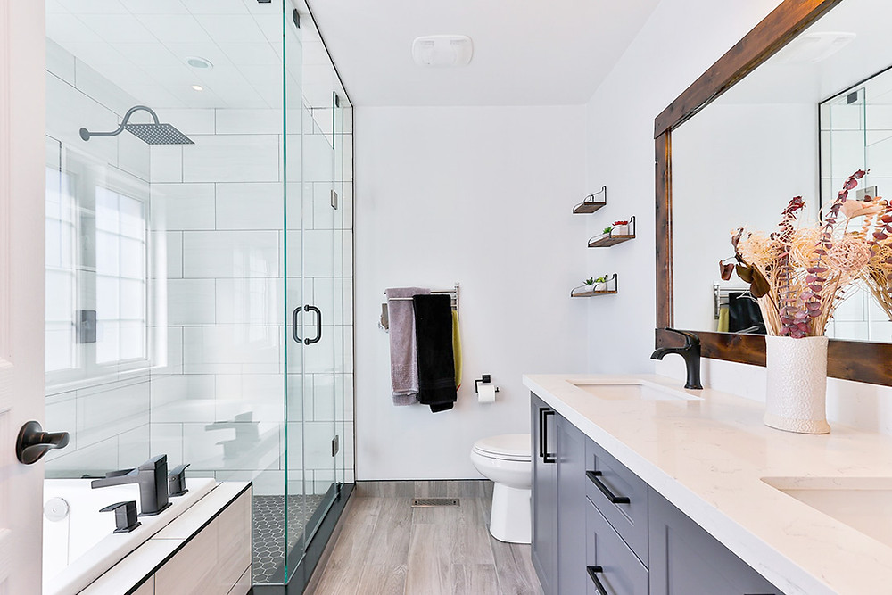 How to clean your bathroom like a professional