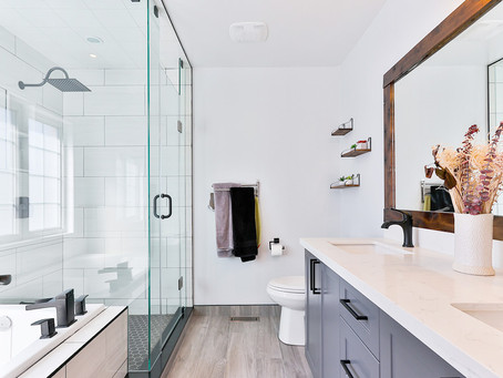 How to clean a bathroom like a professional