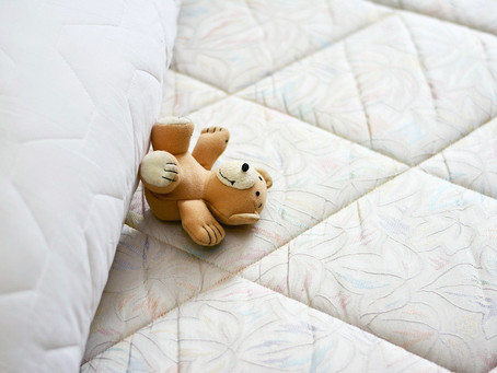 How to clean a mattress properly