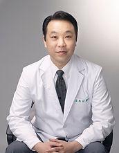臨床經驗豐富進行各種高難度複合式手術.讓您即使在台灣也可享受到同步歐美的品質.多倫多加拿大植牙,矯正及牙周病, 親自分享台北費用,價格,價錢,過程及後遺症,大家最推薦的權威也會詳細的說明微創植牙.