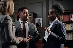 businesspeople-talking-4427612.jpg