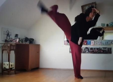 Wohnzimmertanzen: 'Omm' Tanz für 8-12 Jährige 2.Teil