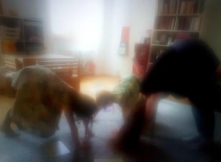 Wohnzimmer-Kinderyoga und Entspannung für 3-6 Jährige