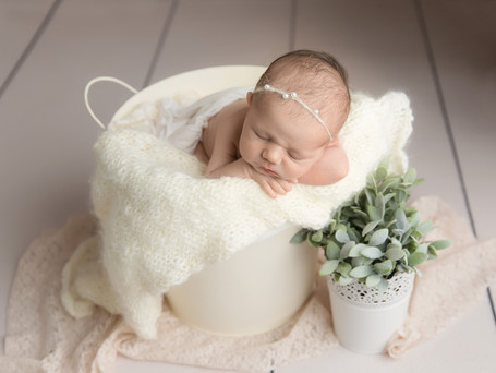 Beautiful baby girl | Putnam Newborn Photography