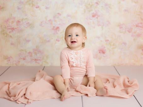 Adorable Girl Cake Smash | Yorktown Child Photographer
