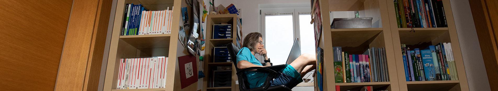 Büroarbeit-©-Bild-ErlebnisWandern.jpg