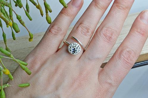 NEDA TULEIKĖ JEWELRY sidabrinis žiedas su Swarovski akutėmis