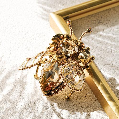 """PerLau Design segė Insectus """"PRINCAS"""" + perlų auskarėliai dovanų"""