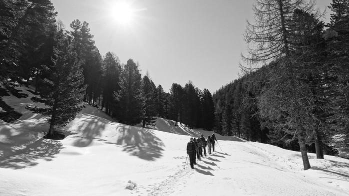 auf-der-Schneeschuhtour-via-Silenzi.jpg